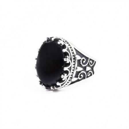 anello-cabochon-satinato-con-agata-nera